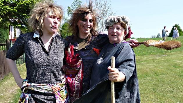 V Cítkově na Chrudimsku své čarodějnice neupalují, ale zvou si je pro štěstí domů