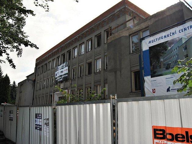 Stavba multifunkčního centra  v Hlinsku.