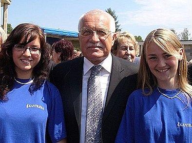 Členky Kantilény se setkali s prezidentem Václavem Klausem.