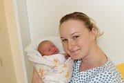ANEŽKA VÍŠKOVÁ. Z prvorozené dcery se radují Jirka a Helena z Třemošnice. Na svět přišla 6.5. v 17:25 s váhou 2,71 kg a mírou 48 cm.