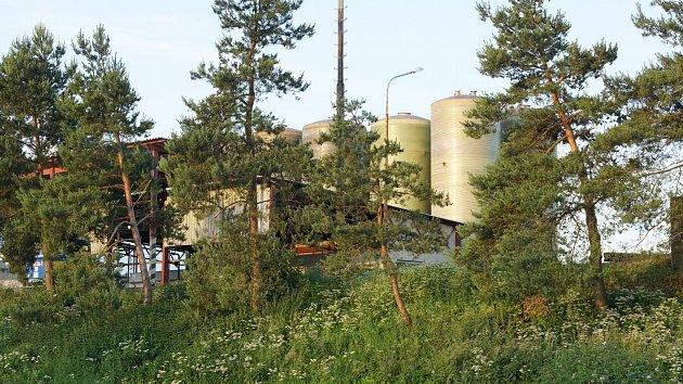 Objekt v Píšťovech, kde došlo k úniku kyseliny, patří společnosti Penta.