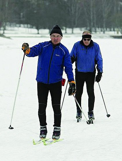Běžkaři na Sečské přehradě