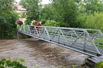 V Třemošnici nebezpečně stoupá hladina Zlatého potoka
