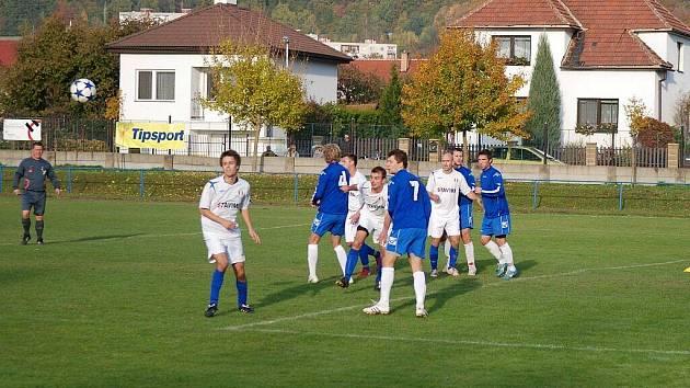 Z utkání krajského přeboru ve fotbale Třemošnice - Živanice 0:1.