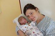 LUKÁŠ RŮŽIČKA (3,68 kg a 49 cm) potěšil 23.2. v 6:38 nejen rodiče Gabrielu a Vladimíra z Hlinska, ale také 3letého brášku Ondru.
