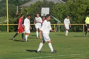 Stále drží krok.  Josef Tamchyna (na snímku) v 56 letech stále vydrží konkurovat o generaci či téměř dvě mladším fotbalistům.