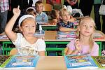 Radost i slzy. Takový byl první školní den pro prvňáčky z I.B Základní školy na Školním náměstí v Chrudimi.