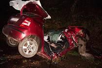 Lékař musel na místě bohužel už jen konstatovat smrt 18letého řidiče.