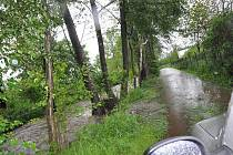 Déšť rozvodnil ve středu 2. června 2010 řeku Krounku v Krouně a okolí.