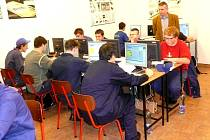 Na SOŠ a SOU technickém v Třemošnici se uskutečnila soutěž žáků třetího ročníku studijního oboru Mechanik seřizovač v programování CNC strojů.