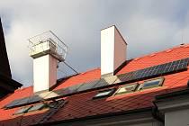 Fotovoltaika se městu Chrudim vyplácí
