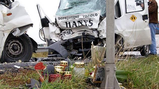 Přesně v místě, kde v neděli 19. srpna zahynul při nehodě motorkář, došlo 12. září ráno k další smrtelné nehodě.