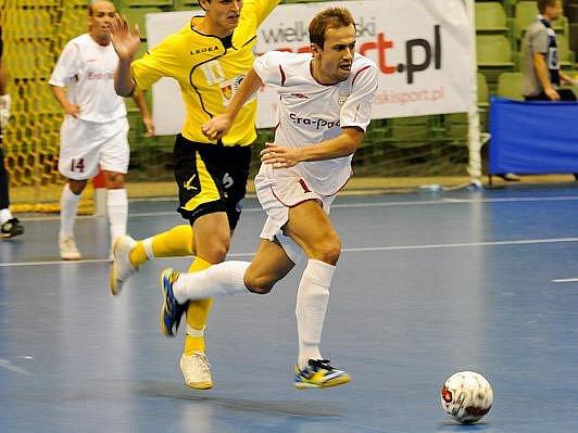 Utkání Era-Packu ze základní skupiny UEFA FUTSAL Cupu. FK ERA-PACK Chrudim - Vegakameratene.