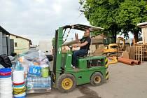 Shromážděná humanitární pomoc směřuje na Trutnovsko.
