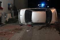 Nehoda automobilu způsobila poškození plynového rozvaděče.