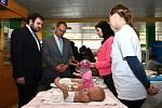 Chrudimská porodnice převzala finanční dar během Dne zdraví