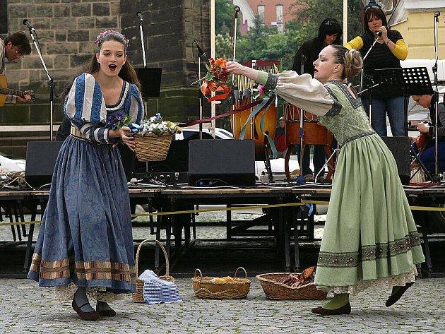 Oslava výročí narození Viktorina Kornela ze Všehrd se nesla v zábavném duchu.