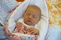 TEREZKA PAČESOVÁ je jméno prvního potomka Evy a Jaroslava Pačesových z Pardubic. Jejich princezna se narodila 11.10. v 8:10 s 3,65 kg a 49 cm.