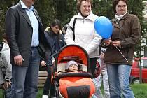 U diskuze nad aktuálním problémem města nemohl chybět jeho starosta Aleš Jiroutek (zcela vlevo).
