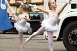 Den s Deníkem v Heřmanově Městci zpestřila taneční vystoupení dětí z místní základní školy.