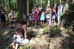 Pouťové oslavy ve Smrčku s pohádkovým lesem nadchly stovky návštěvníků. Celý den se bylo skutečně na co dívat, užily si ho při bezpočtu atrakcí a soutěží nejen děti, ale i dospělí.