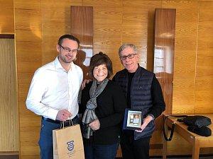 Návštěva Bruce Engleman s manželkou v Luži.