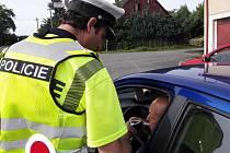 Dopravní hlídky zkontrolovaly na Chrudimsku 971 řidičů.
