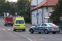 Těžce popálený muž ze Zaječic skončil ve vinohradské nemocnici.