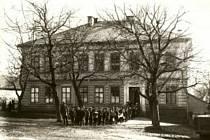 Škola, do níž chodily děti z Ležáků, trpí nedostatkem žáků