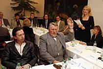 Na ustavujícím zasedání nově zvoleného zastupitelstva v Hlinsku byla podle očekávání opět zvolena starostkou Magda Křivanová.