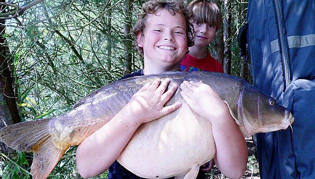 Kapitální úlovek třináctiletého Tomáše Adámka z Prahy vážil 19 kilogramů a měřil 97 centimetrů.