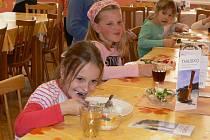 Žáci Základní Školy dr. Peška okusili thajskou kuchyni.