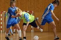 Celodenní futsalový turnaj byl součástí oslav SOŠ a SOU obchodu a služeb v Chrudimi
