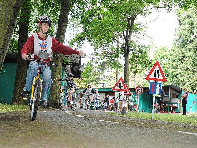 Chrudimské dopravní hřiště patřilo dopravním závodů malých cyklistů z celého Pardubického kraje.