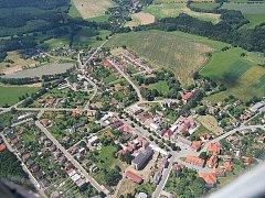 Letecký pohled na Nasavrky.