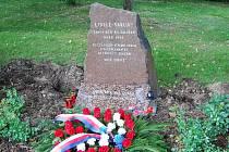 Památník zatím disponuje jen několika snímky. Tento pomník se například nachází v Plzni.