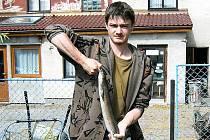 Úhoř měřil 115 centimetrů a vážil 2,6 kg.