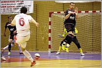 Na úvod kalendářního roku 2011 v Jetbull Futsal lize hostili hráči mistrovského Era-Packu Chrudim tradičního soupeře - Slavii Praha