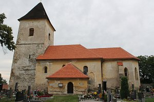 Kostel v Lažanech dostává novou šanci