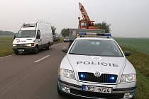 Dopravní nehoda u Orle: uvolněné kolo od avie poškodilo osobní automobil.