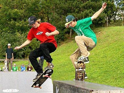V chrudimském skateparku se proháněli borci při Skate Con Testu.