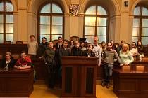 Mladí ve sněmovně