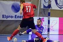 LUKÁŠ REŠETÁR si bravurně plní  své futsalové povinnosti  a navíc stíhá nastupovat za fotbalové Slatiňany.