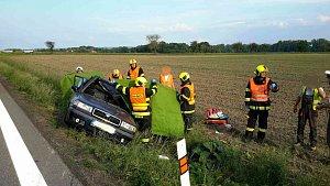 Hasiči museli řidičku z auta vyprostit, přes veškerou snahu nepřežila