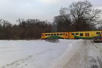 Vlaky jely v Medlešicích podle očitých svědků proti sobě, ČD ale pochybení odmítají.