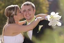 Datum 10.10. 2010 si ke sňatku vybrali manželé Pavlíkovi, kteří si své ano řekli na zámku v Nových Hradech,