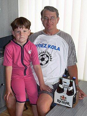 Vítěz prvního kola podzimní Tip ligy Tomáš Děťák s dcerou Míšou ze Zbyhněvic.
