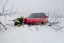 Při nehodě měui Radimí a Dobrkovem byla jedna osoba zraněna.