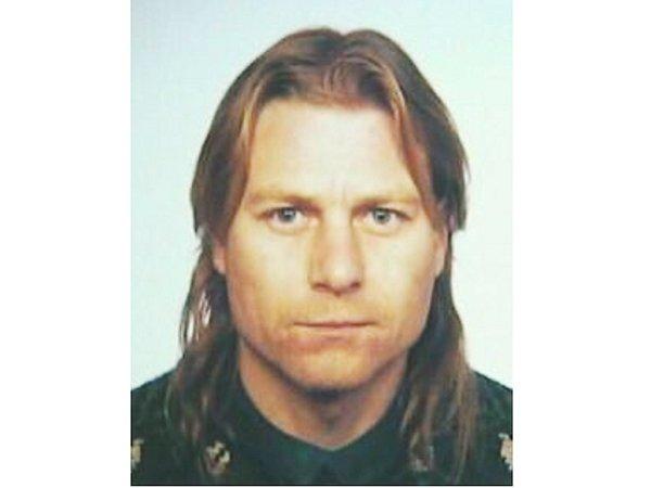 Policie pátrá po Vladimíru Jiráskovi zMorašic. Je podezřelý zvraždy. Pachatel je ozbrojený a nebezpečný.
