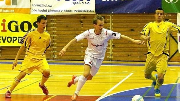 FK Era-Pack Chrudim – 1.FC Nejzbach Vysoké Mýto 20:0 (12:0).